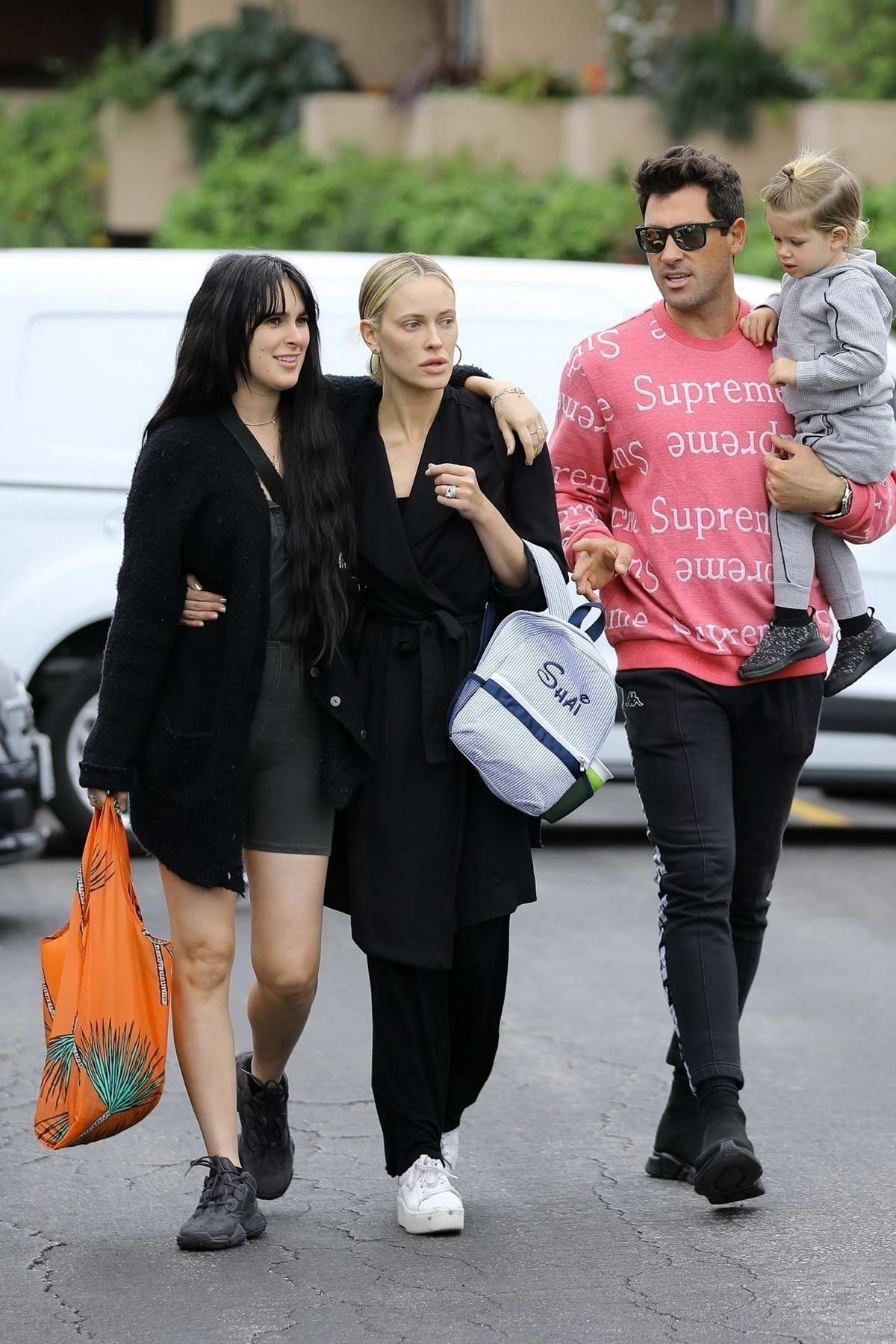 Rumer Willis hits the Farmer's Market with Peta Murgatroyd and her family in Los Angeles