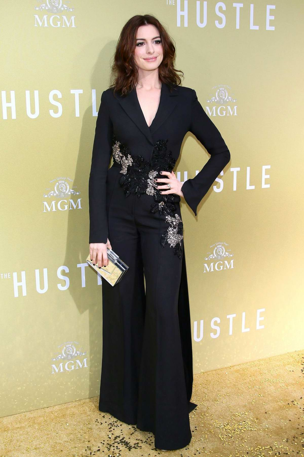 Anne Hathaway attends the premiere of 'The Hustle' at Arclight Cinerama Dome in Hollywood, California