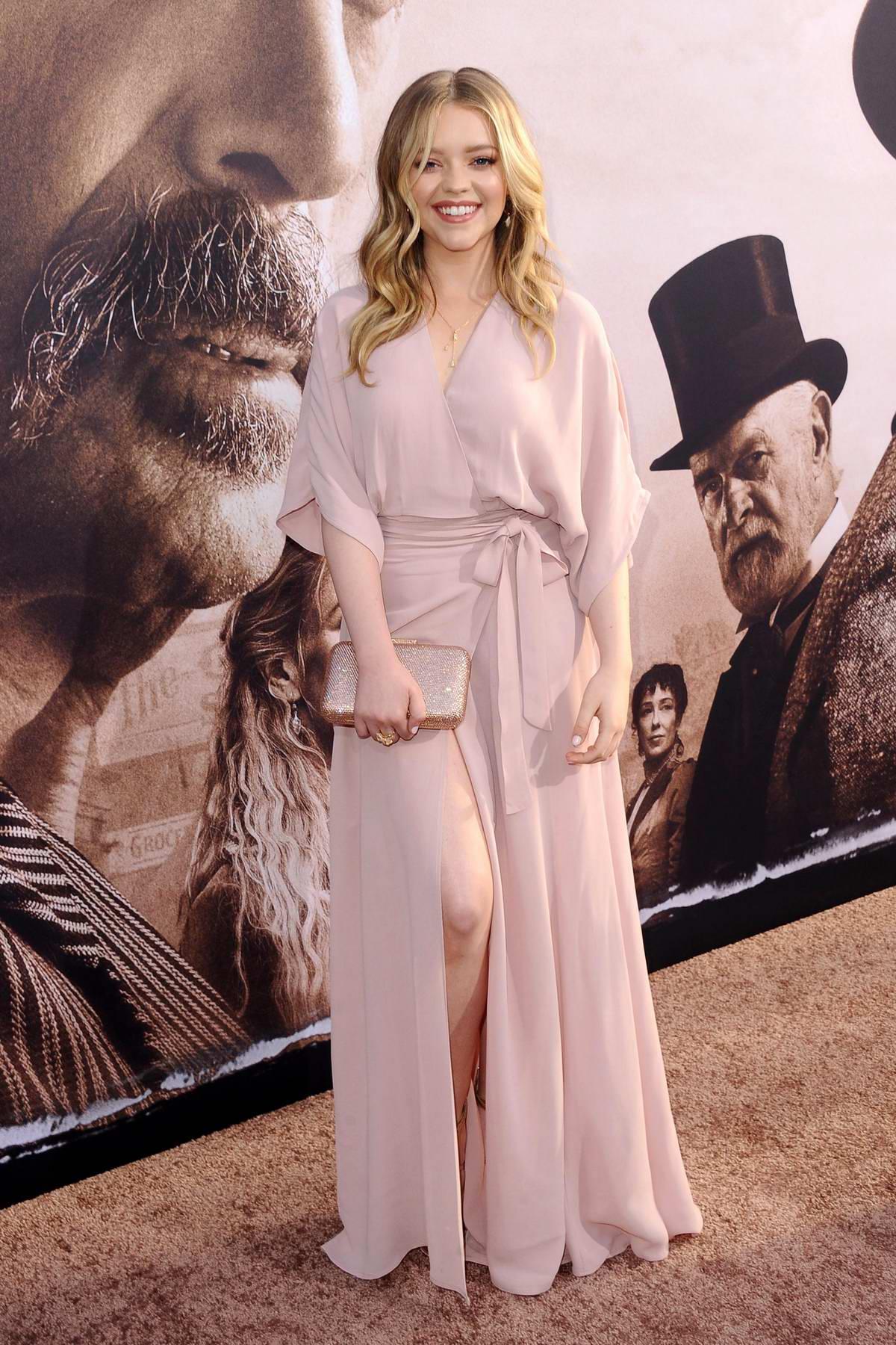 Jade Pettyjohn attends 'Deadwood' film premiere at Cinerama Dome in Los Angeles