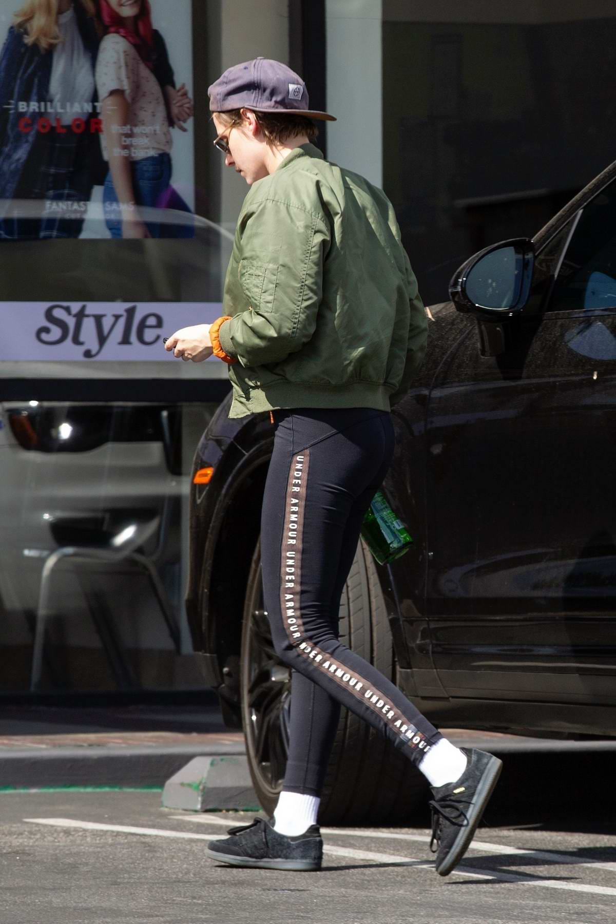 8c526f0a0e kristen stewart sports a green jacket with black under armour leggings as she  leaves a health spa in hollywood, california-300419_4