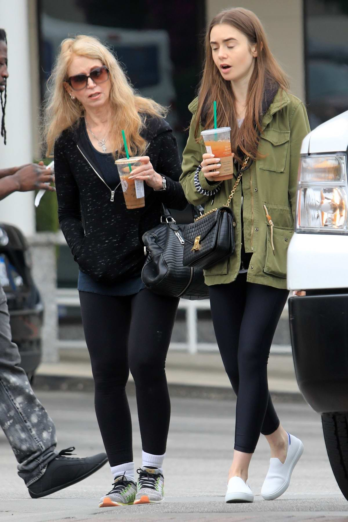 Lily Collins And Her Mother Jill Tavelman Seen At Starbucks In West Hollywood Los Angeles 140519 5 Изучайте релизы jill tavelman на discogs. mother jill tavelman seen at starbucks