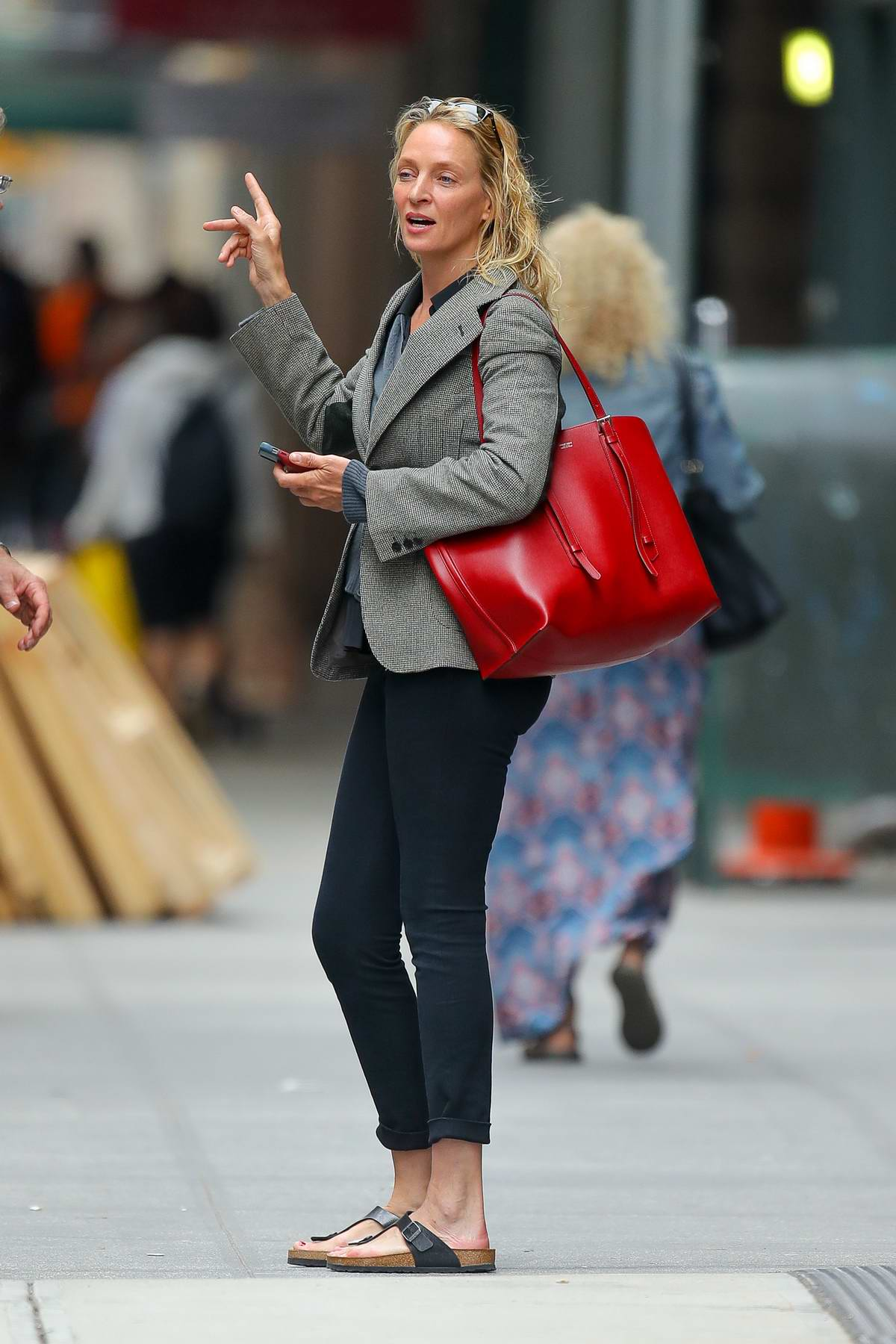 Uma Thurman seen asking for directions after visiting a hair salon in New York City