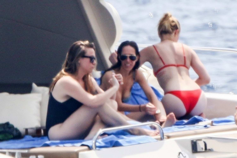 Amber heard bikini