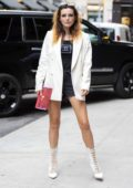 Bella Thorne poses up as she arrives for her book signing at Barnes & Noble in New York City