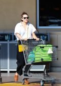 Elizabeth Olsen keeps it casual while shopping groceries at Gelson's Market in Los Angeles