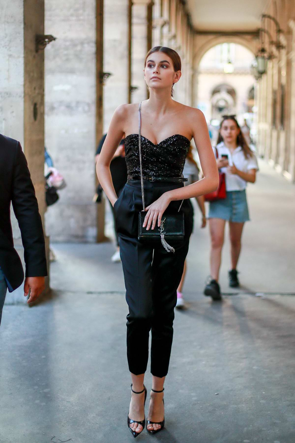 Kaia Gerber looks fashionable as she strolls through Rue de Rivoli in Paris, France