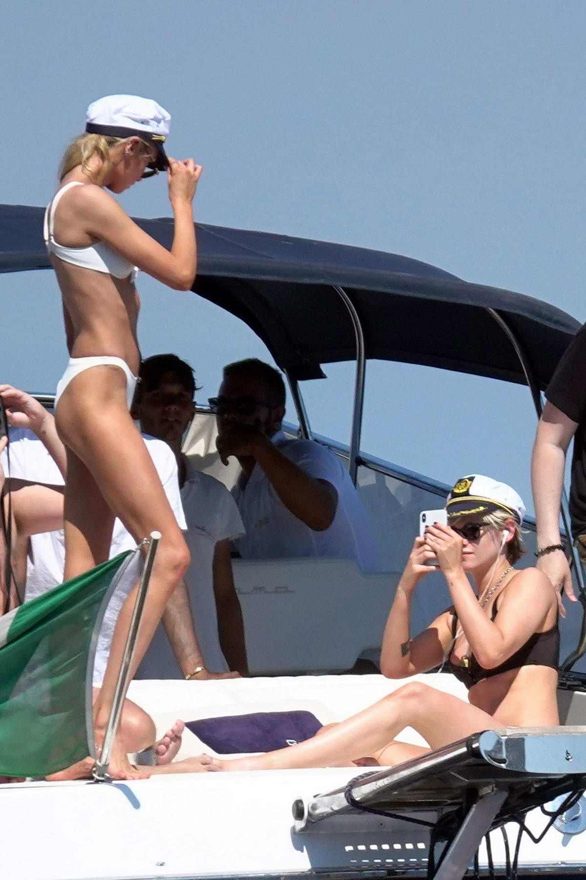 Kristen Stewart and Stella Maxwell spotted in bikini while packing on some PDA on a yacht in Capri, Italy