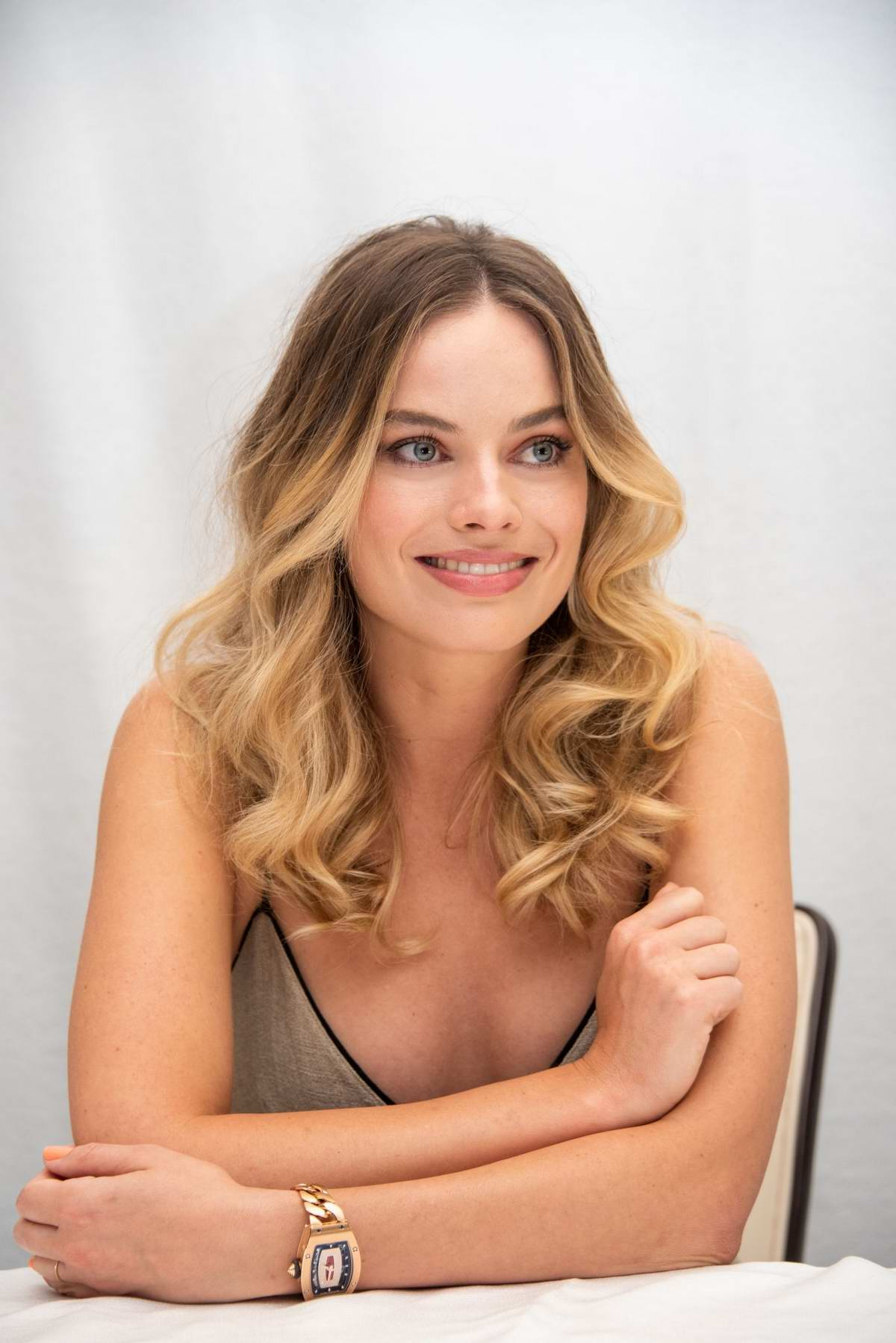 Margot Robbie attends the 'Once Upon A Time In Hollywood' Press Conference at the Four Seasons Hotel in Beverly Hills, Los Angeles