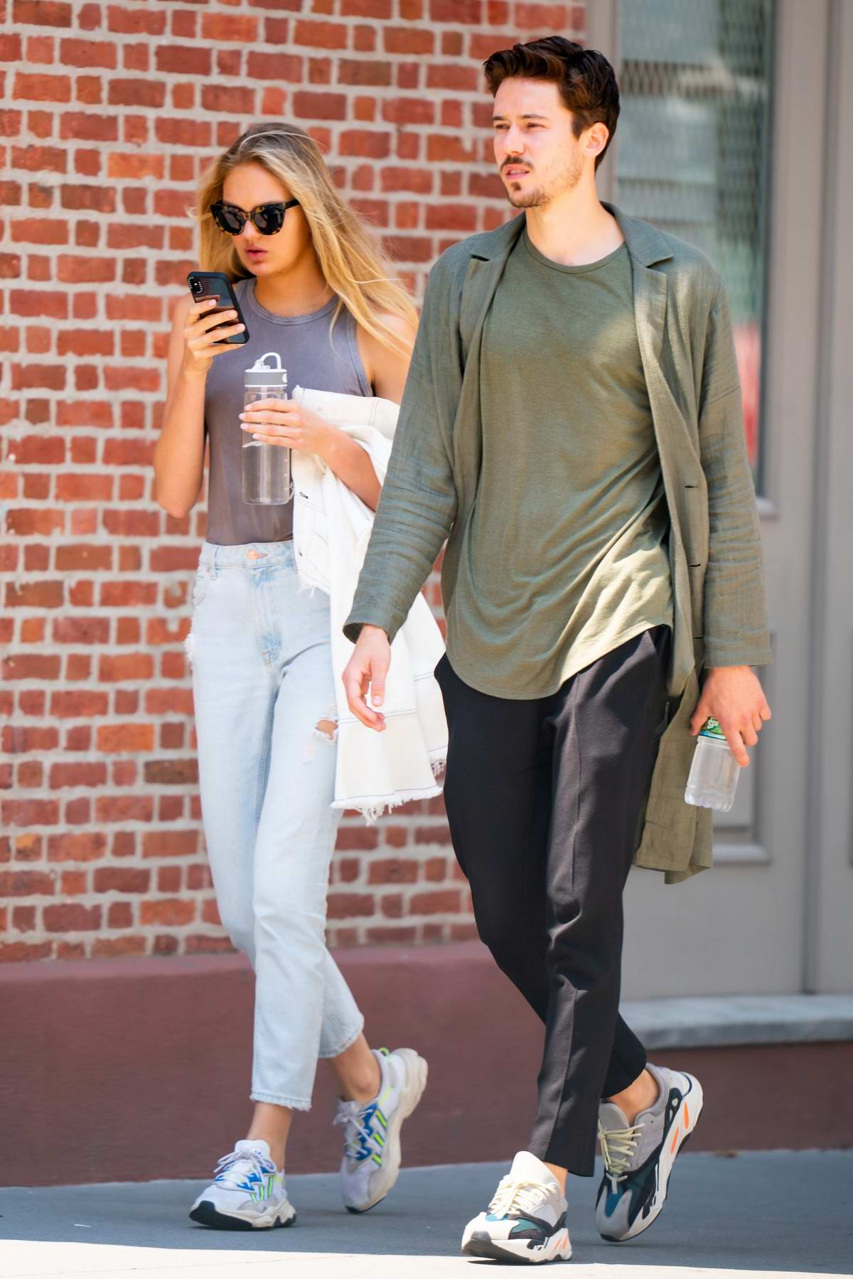 Romee Strijd and Laurens van Leeuwen out for a stroll in New York City