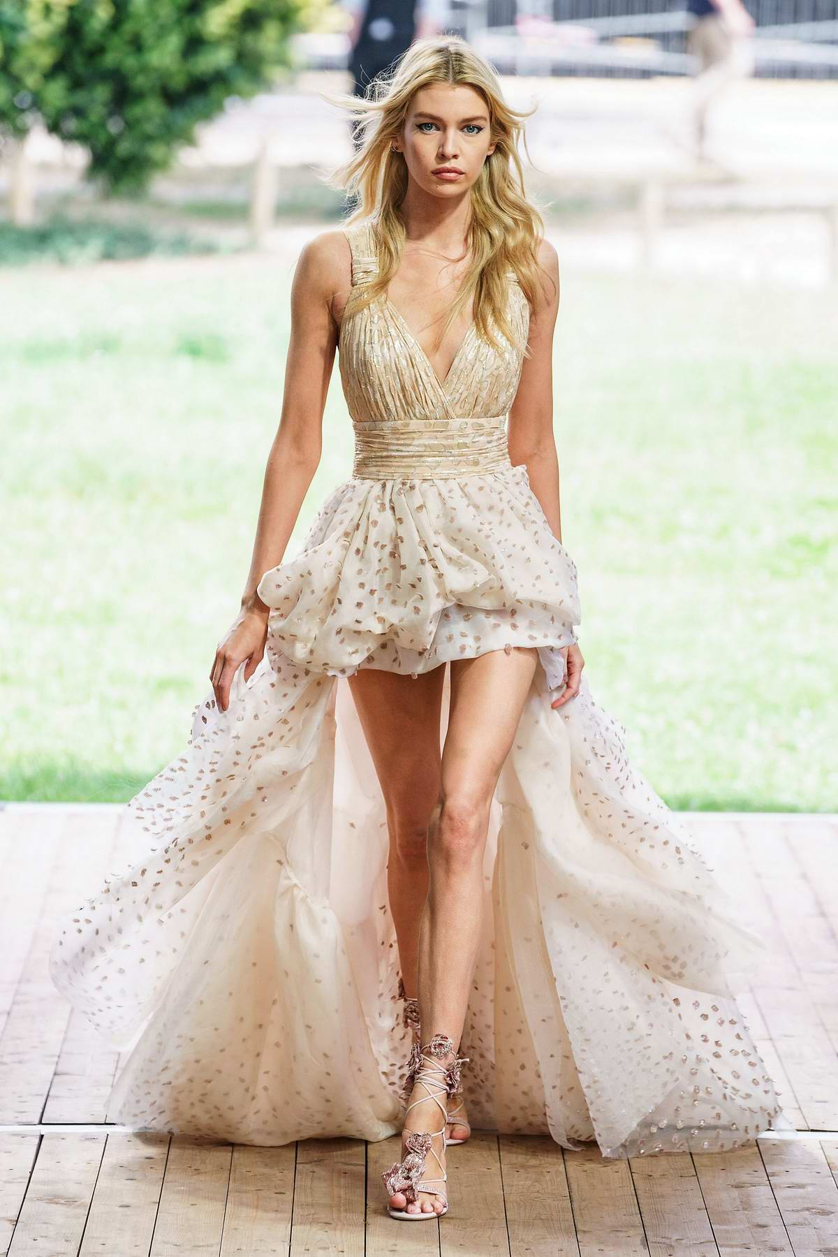 Stella Maxwell walks the runway at the Redemption show during Paris Haute Couture Fall/Winter 2019/20 in Paris, France