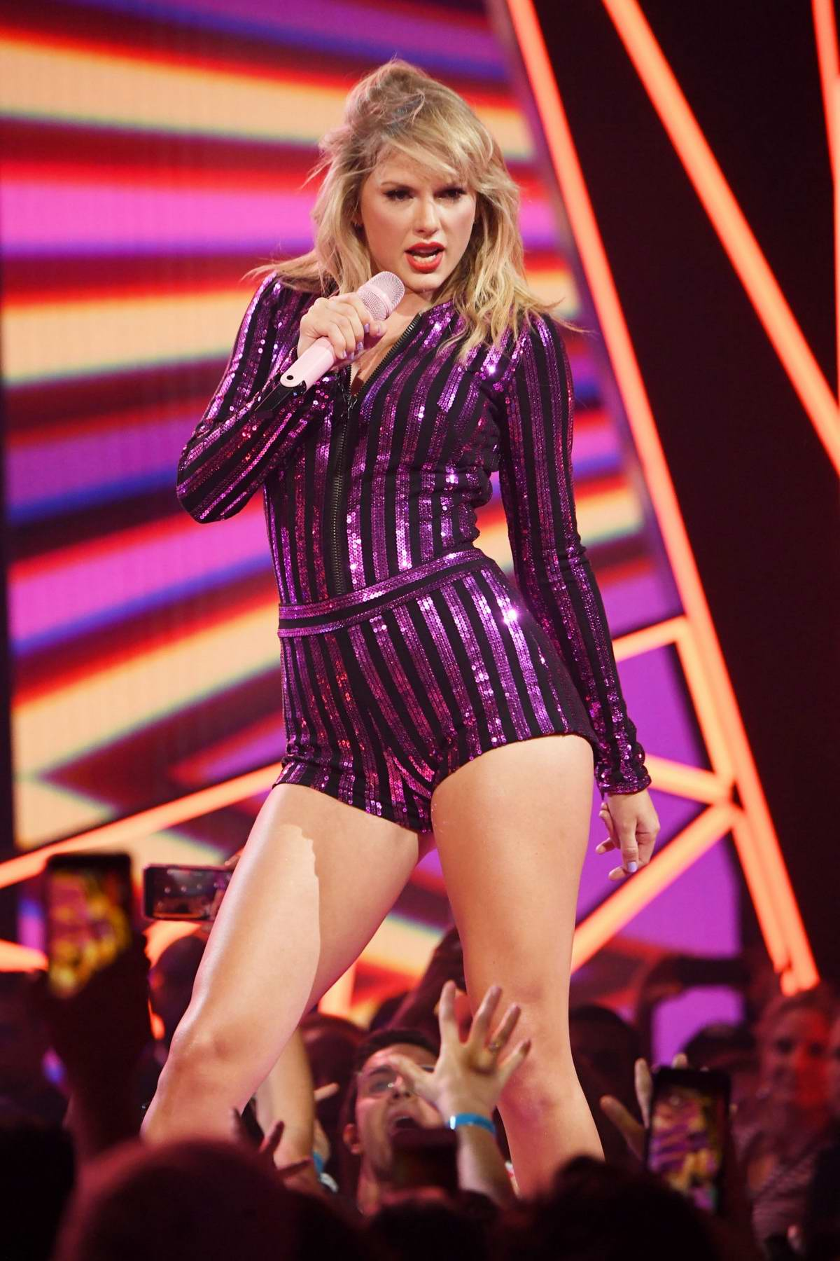 Taylor Swift performs at the Amazon's Prime Day Concert in ...