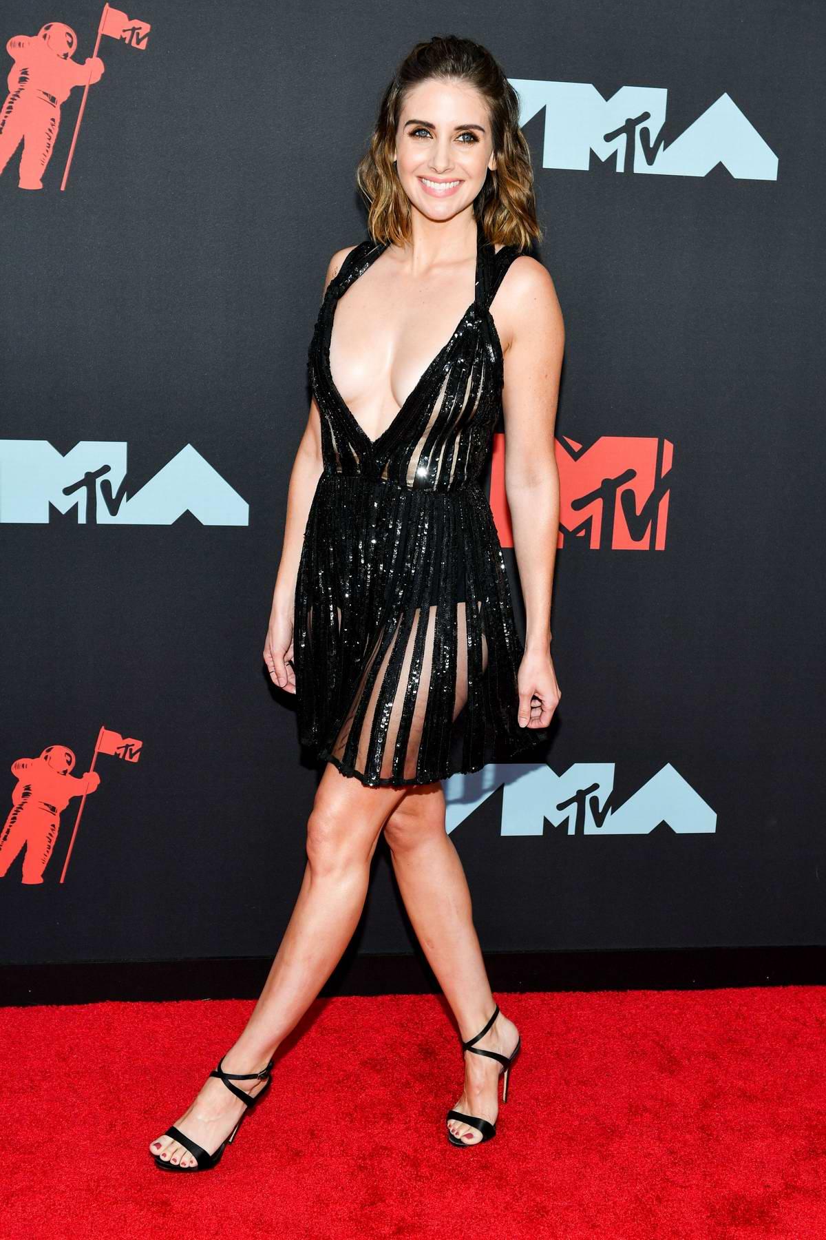 Alison Brie Nude LEAKED Pics & Sex Tape + Scenes