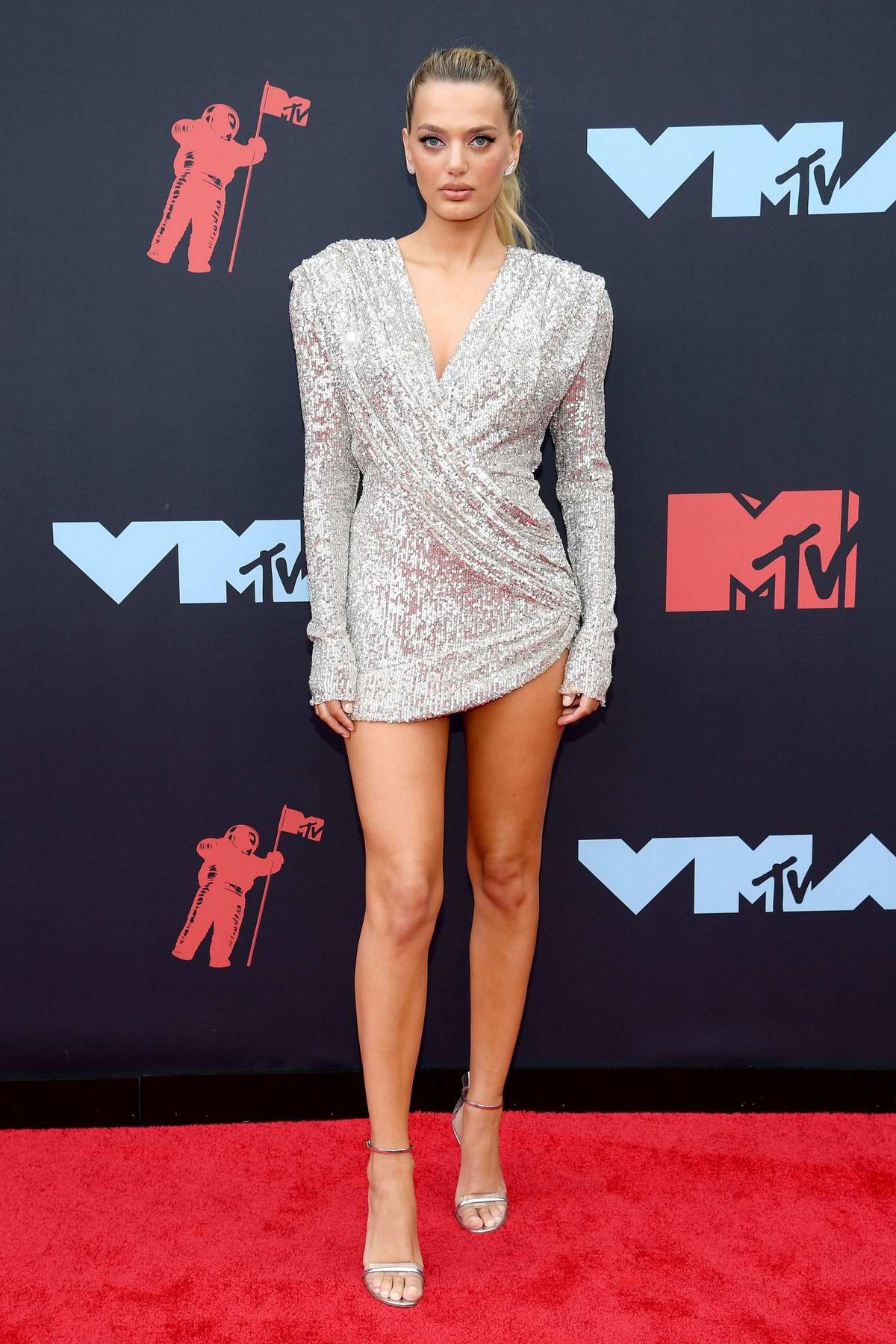 Bregje Heinen attends the 2019 MTV Video Music Awards at Prudential Center in Newark, New Jersey
