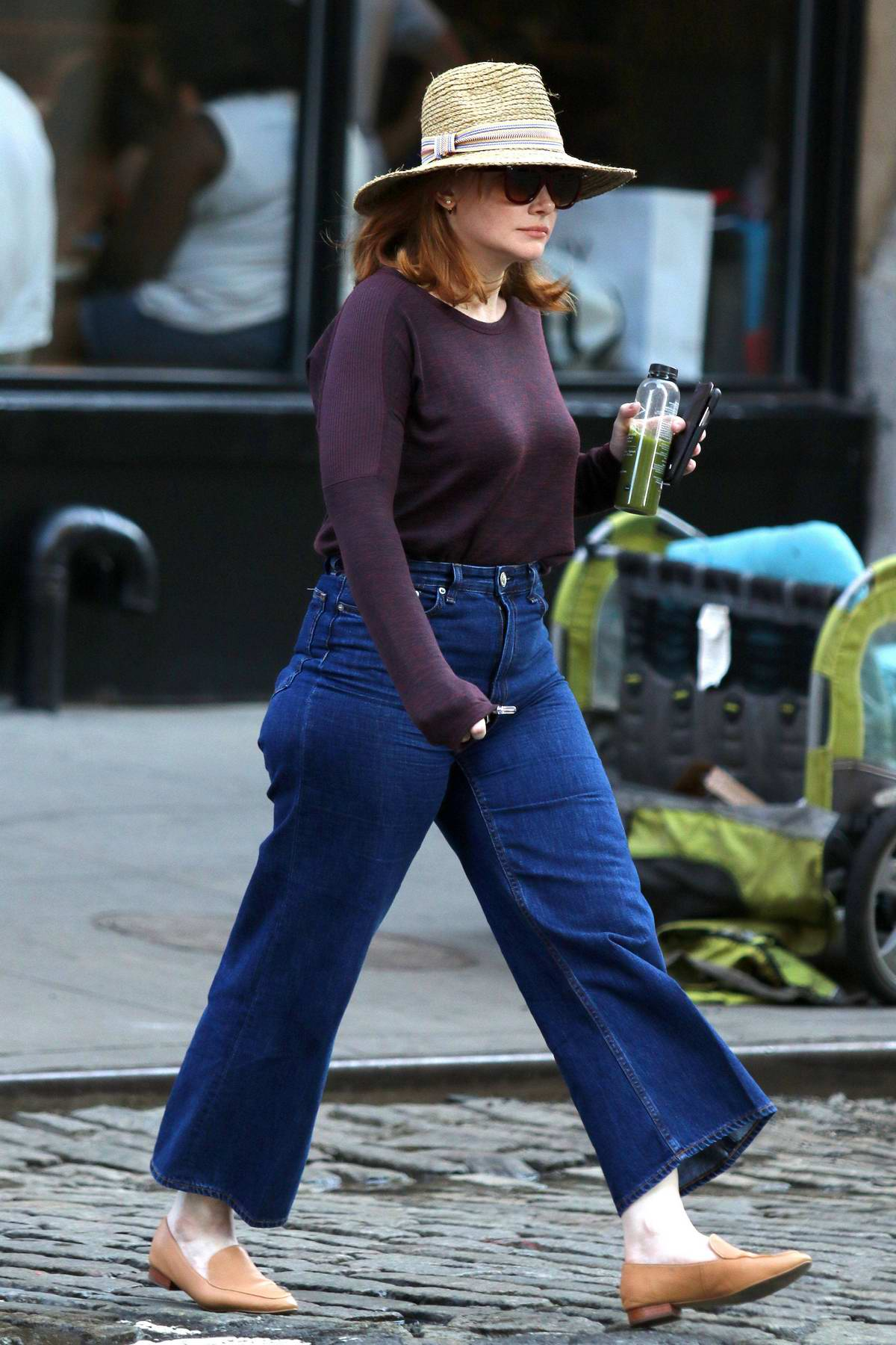 Bryce Dallas Howard grabs a green juice while out in New York City