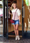Sarah Michelle Gellar is all smiles while leaving the American Girl Store in Los Angeles
