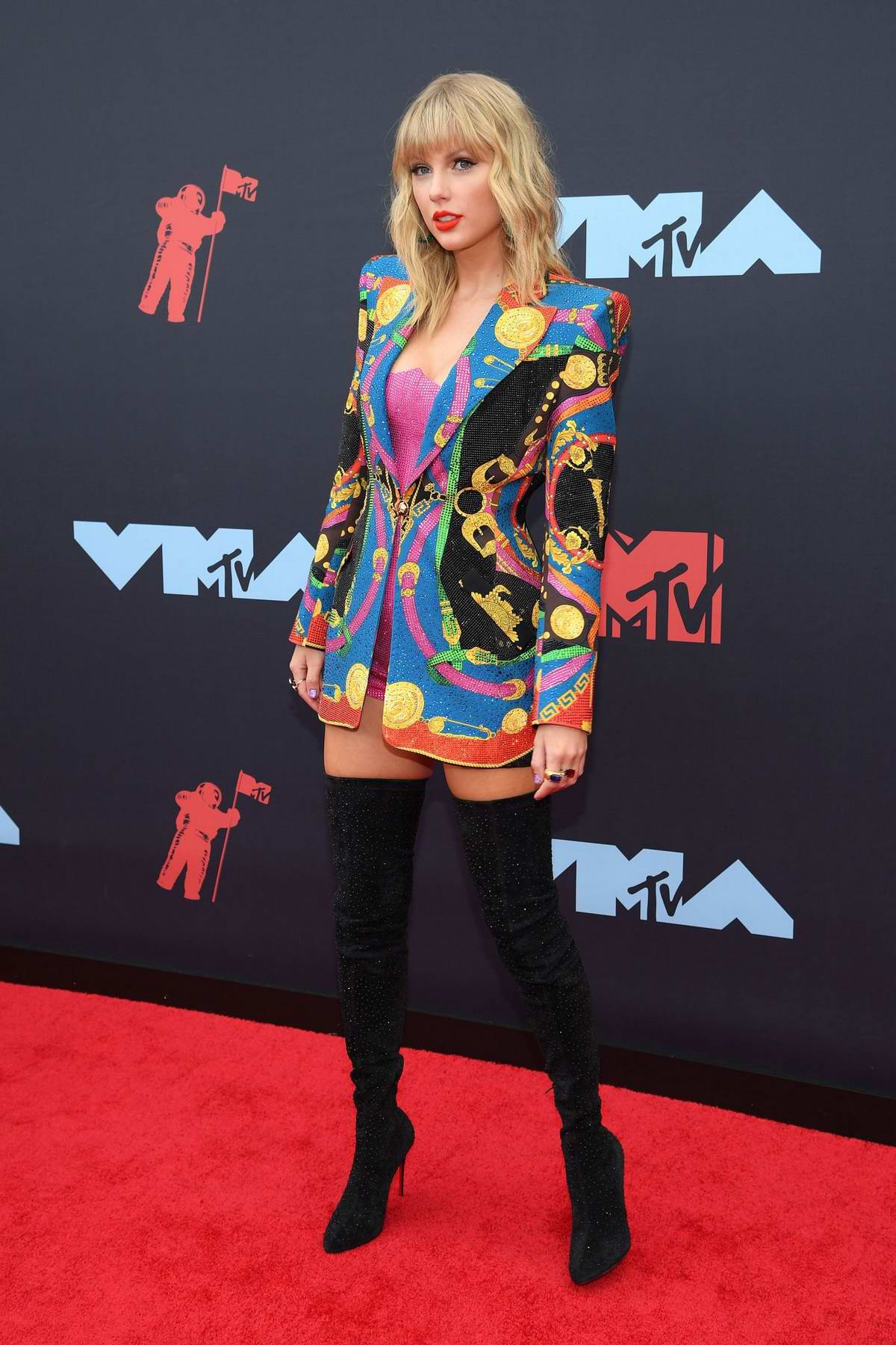 Taylor Swift attends the 2019 MTV Video Music Awards at Prudential Center in Newark, New Jersey