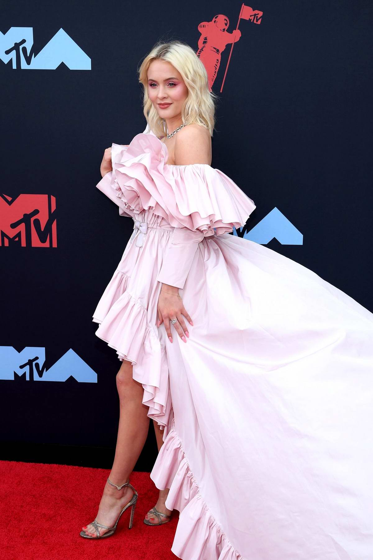 Zara Larsson attends the 2019 MTV Video Music Awards at Prudential Center in Newark, New Jersey