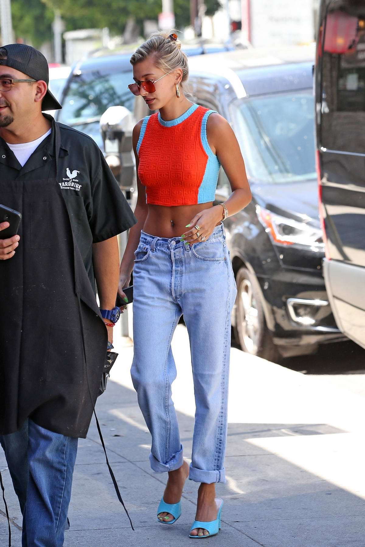 Hailey Baldwin accompanies Justin Bieber to a dance class in Beverly Hills, Los Angeles