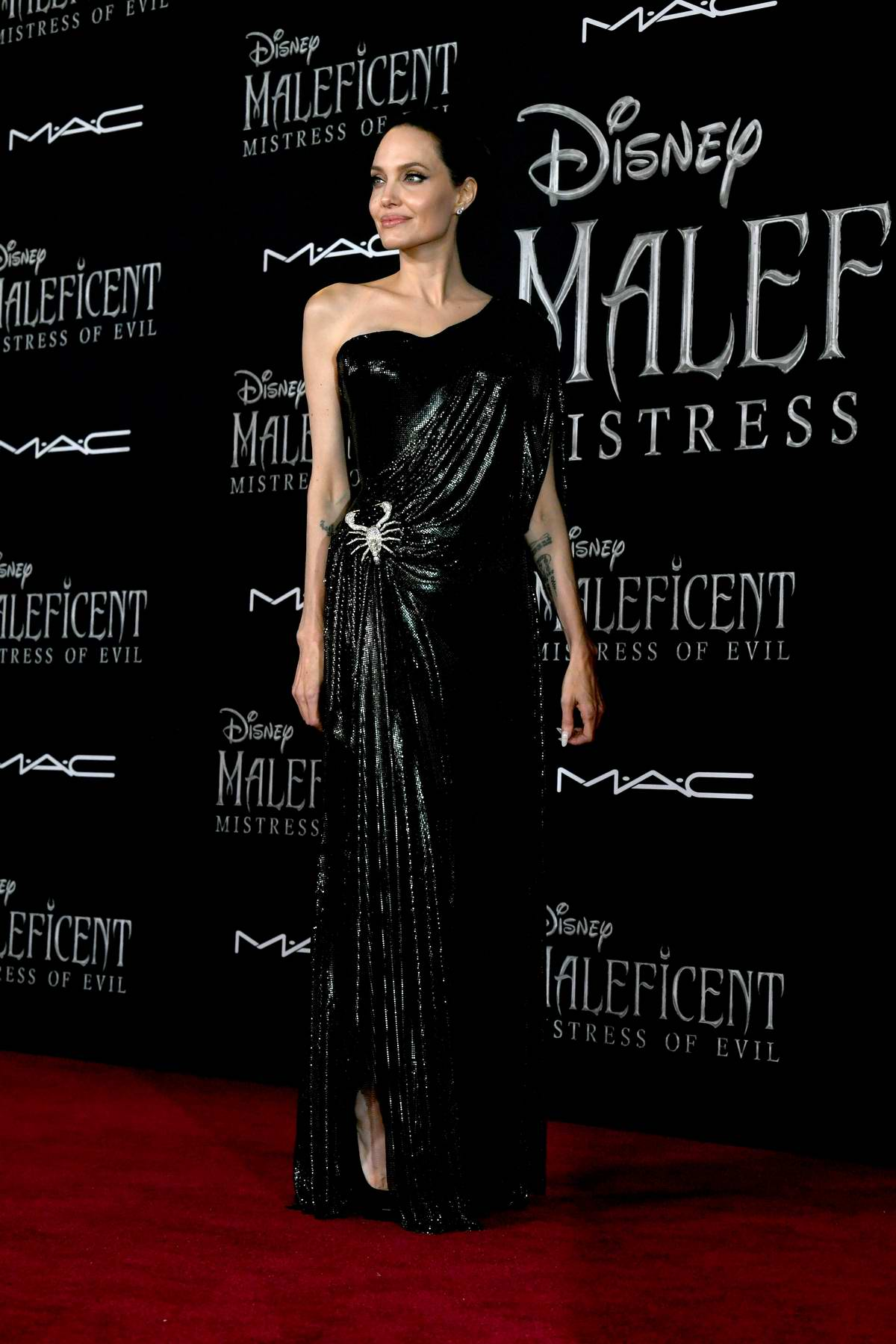 Angelina Jolie Attends The World Premiere Of Disney S
