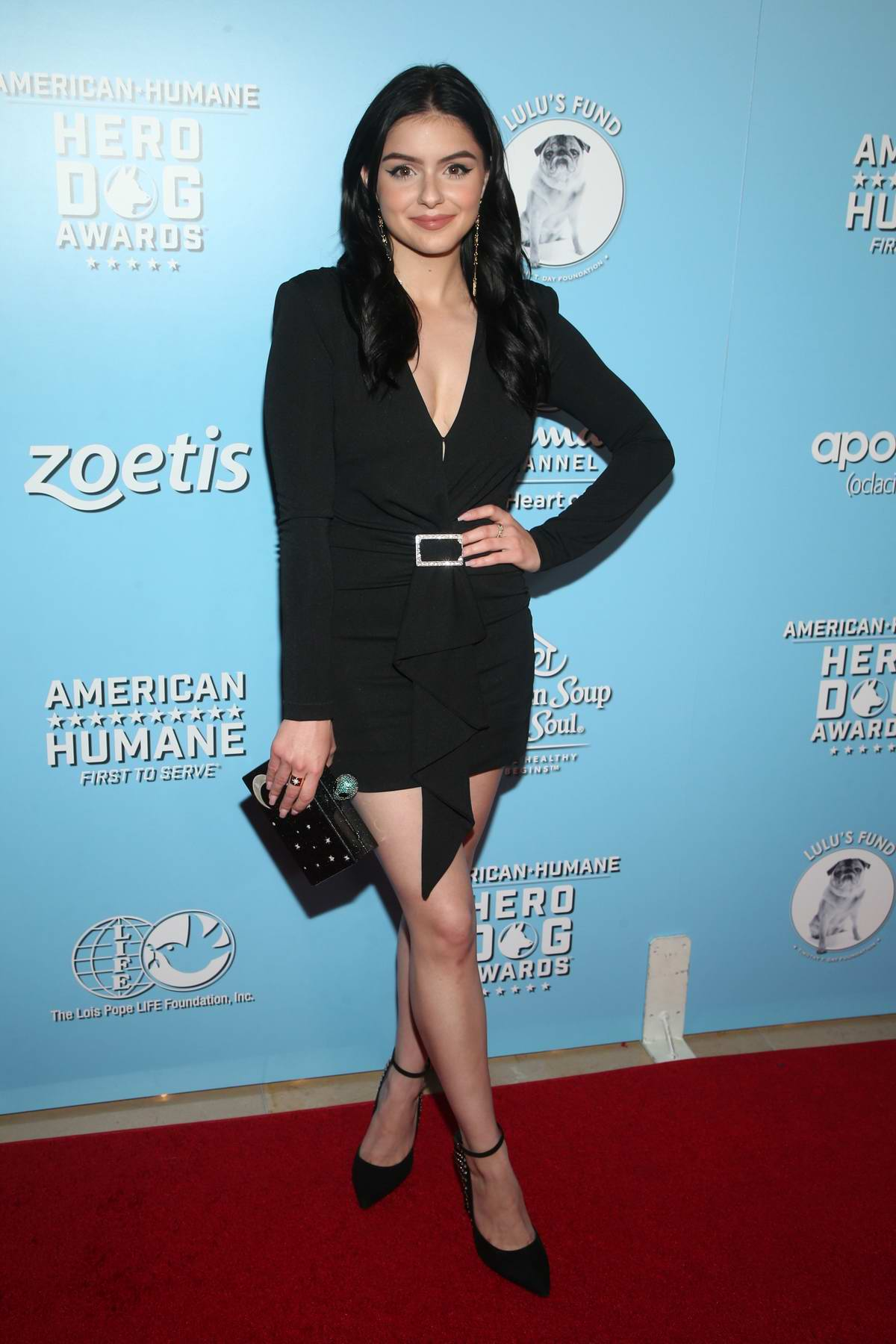 Ariel Winter attends the 2019 American Humane Hero Dog Awards in Los Angeles