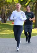 Claire Danes goes for an early morning jog along the Hudson River in Manhattan's Battery Park in New York City