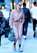 Gigi and Bella Hadid seen arriving at Gigi's apartment in New York City