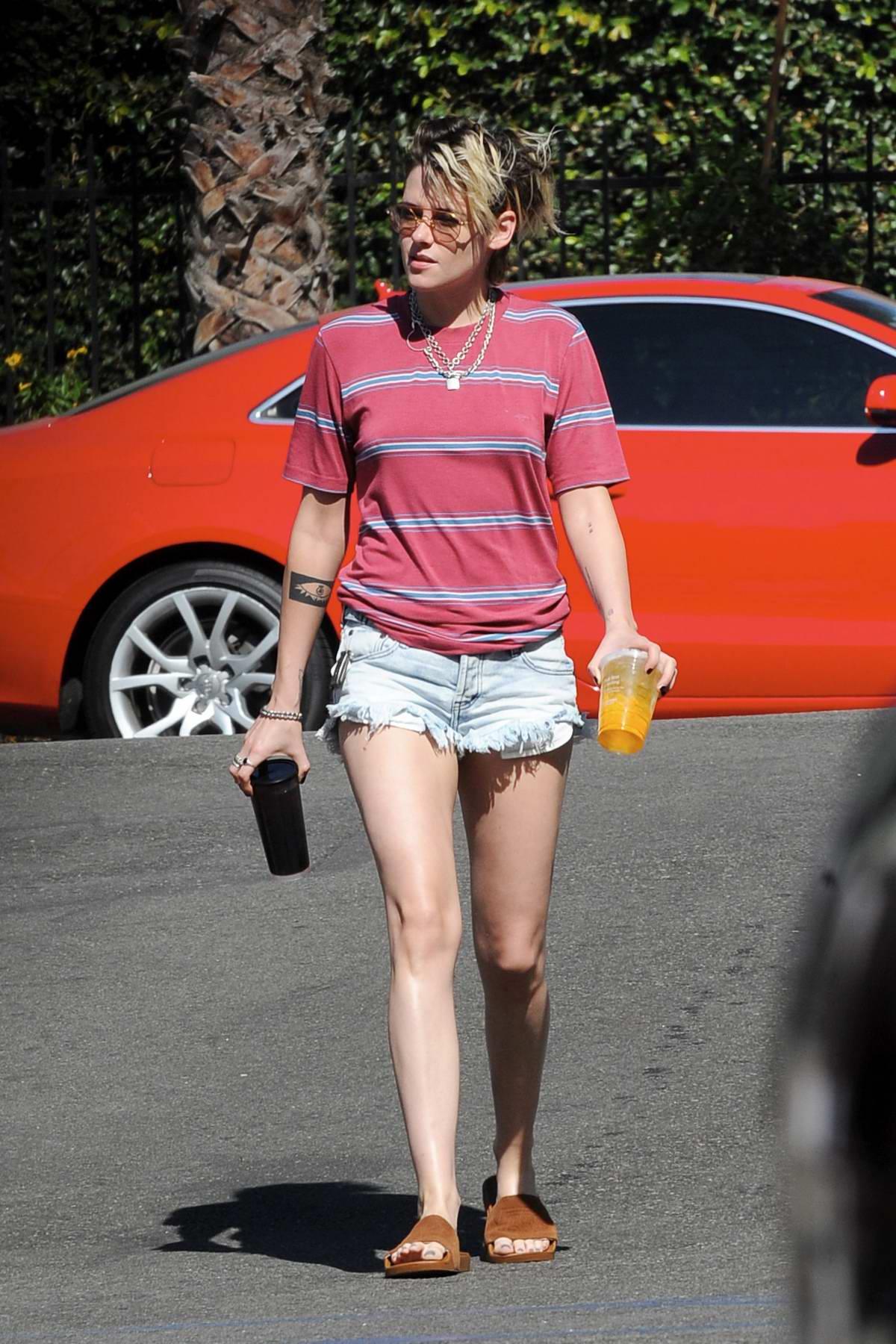 kristen stewart jean shorts
