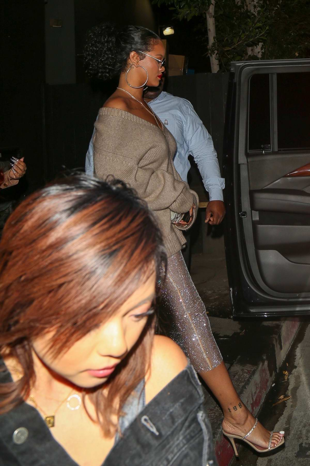Rihanna seen leaving the Nice Guy later hangs out with Drake at Poppy in West Hollywood, Los Angeles