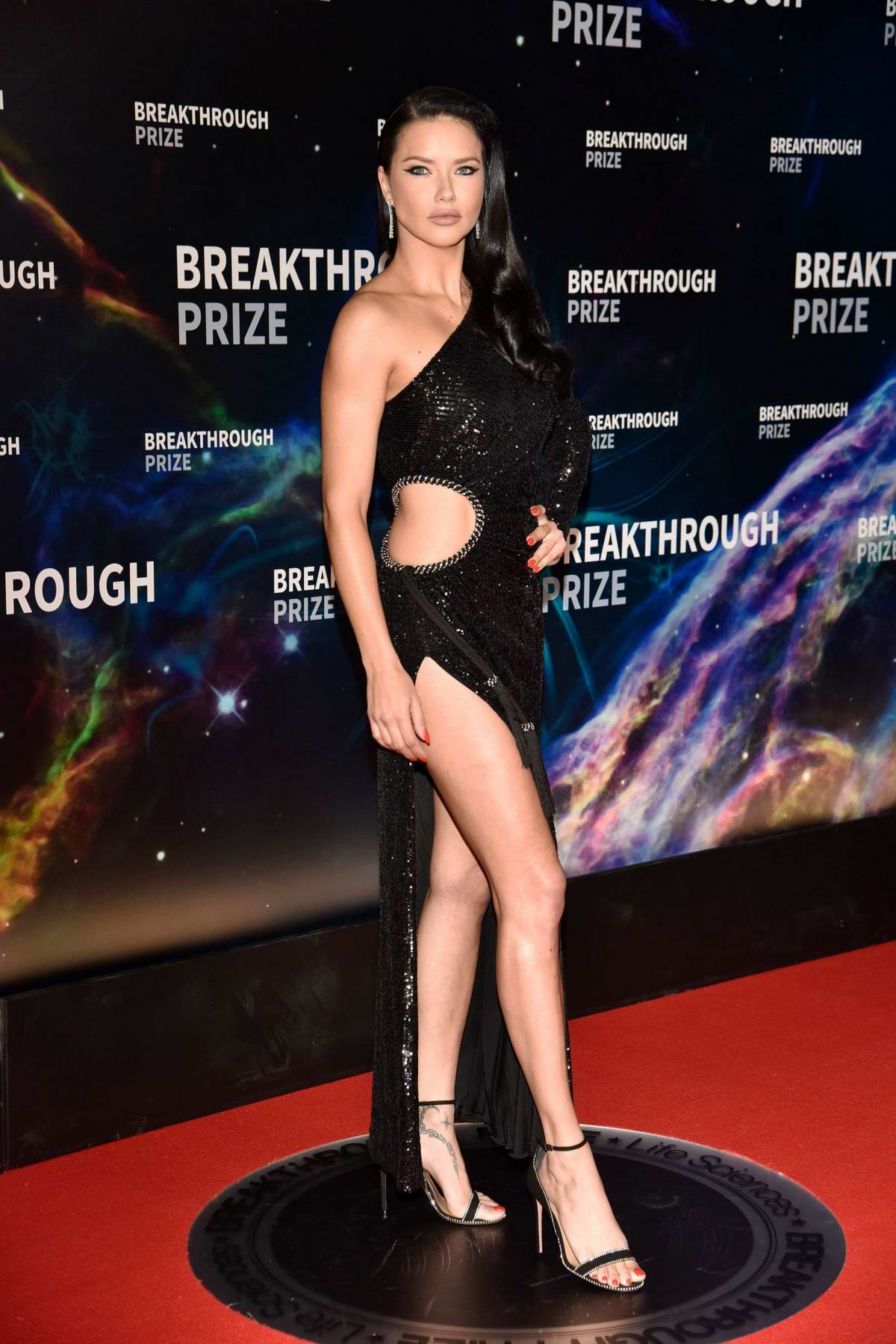 Adriana Lima attends the 8th Annual Breakthrough Prize Ceremony in Mountain View, California