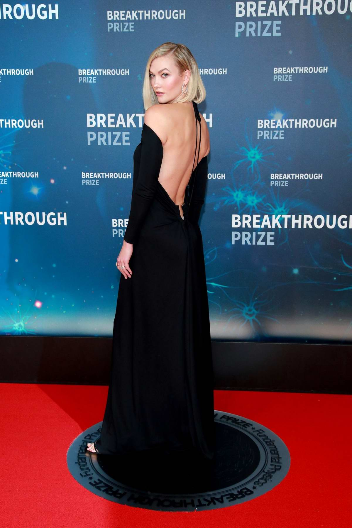 Karlie Kloss attends the 8th Annual Breakthrough Prize Ceremony in Mountain View, California