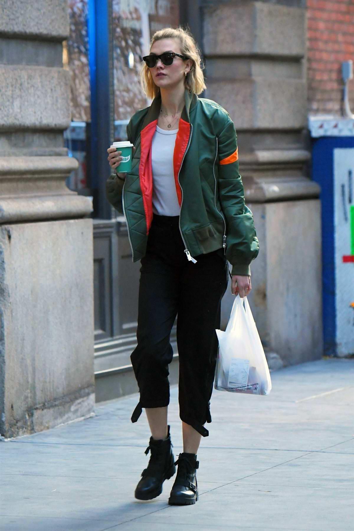 Karlie Kloss steps out for a food run at Dig Inn Restaurant in Soho, New York City