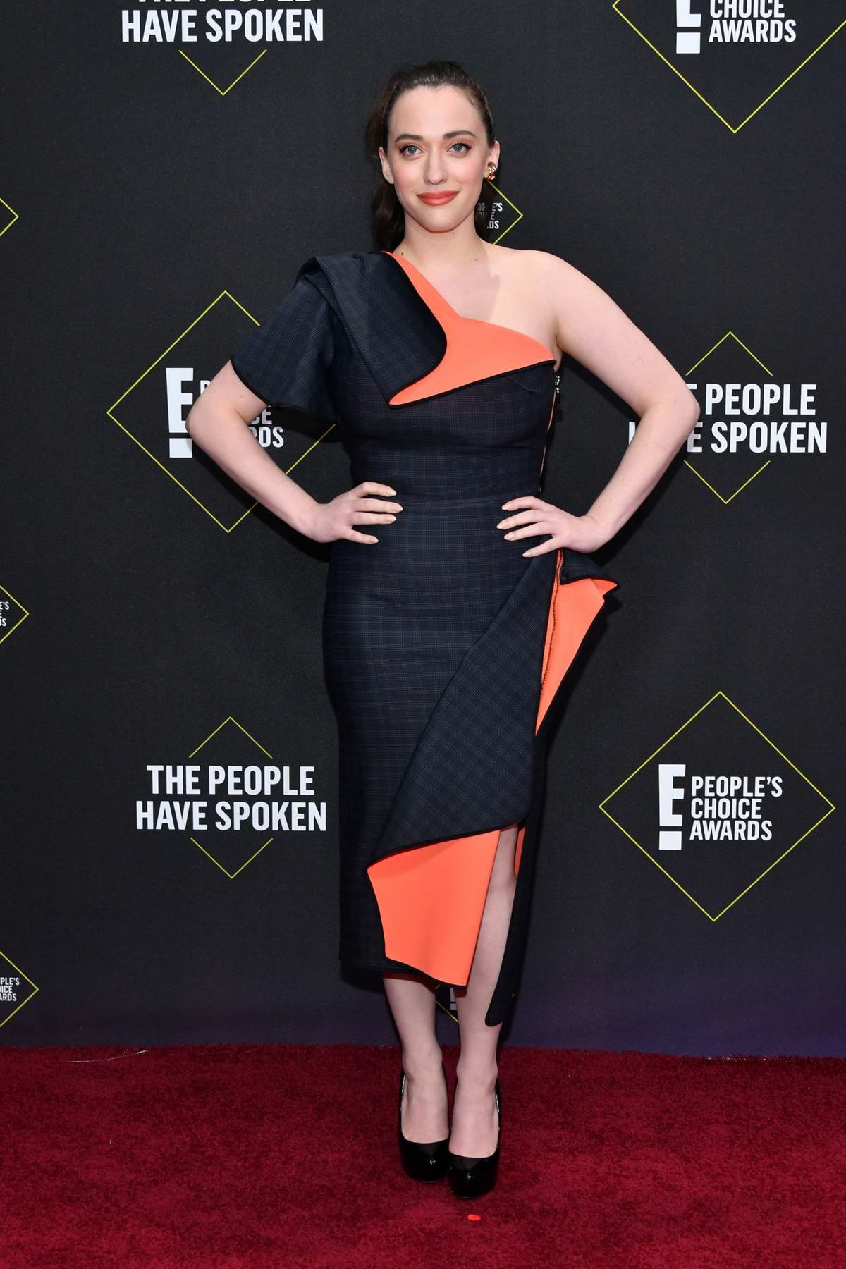 Kat Dennings attends the 2019 E! People's Choice Awards held at the Barker Hangar in Santa Monica, California