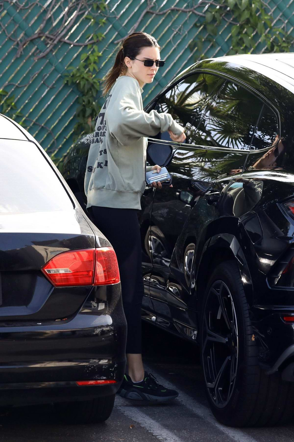 Kendall Jenner stops by Tocaya Organica after a workout in West Hollywood, Los Angeles