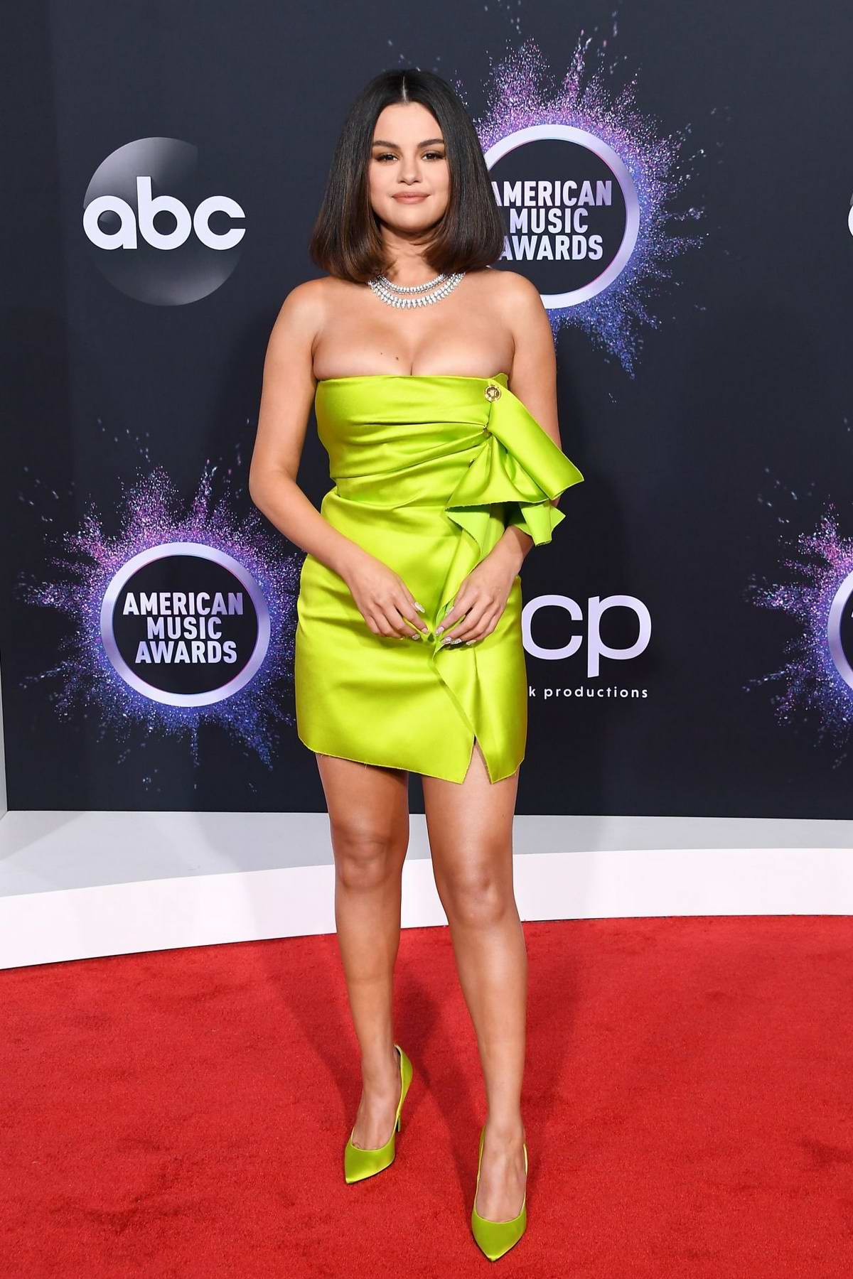 Selena Gomez attends the 2019 American Music Awards at Microsoft Theater in Los Angeles