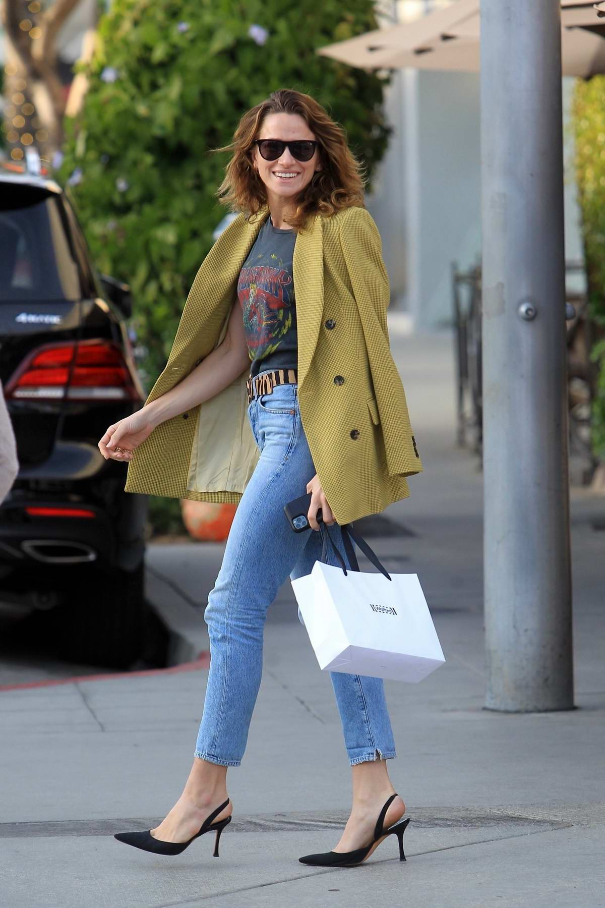 Shantel VanSanten is all smiles as she steps out to grab lunch in Beverly Hills, Los Angeles