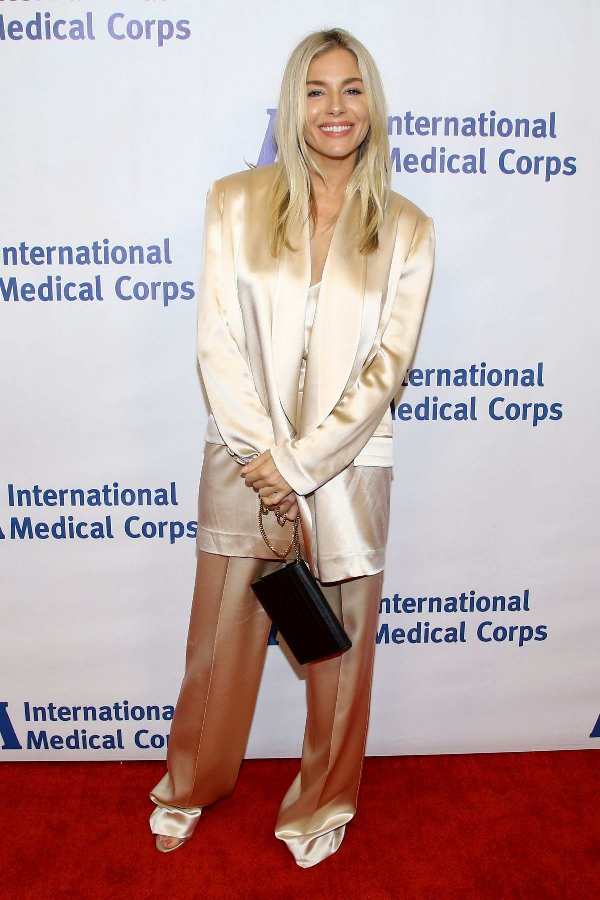 Sienna Miller attends the International Medical Corps' Annual Awards Celebration in Beverly Hills, Los Angeles