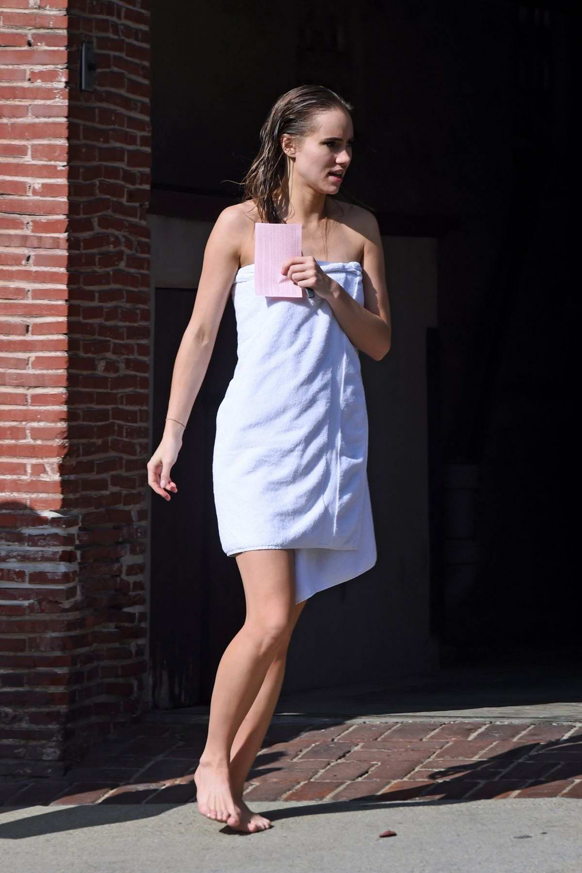 Suki Waterhouse spotted in a wrapped towel during a photoshoot in Los Angeles