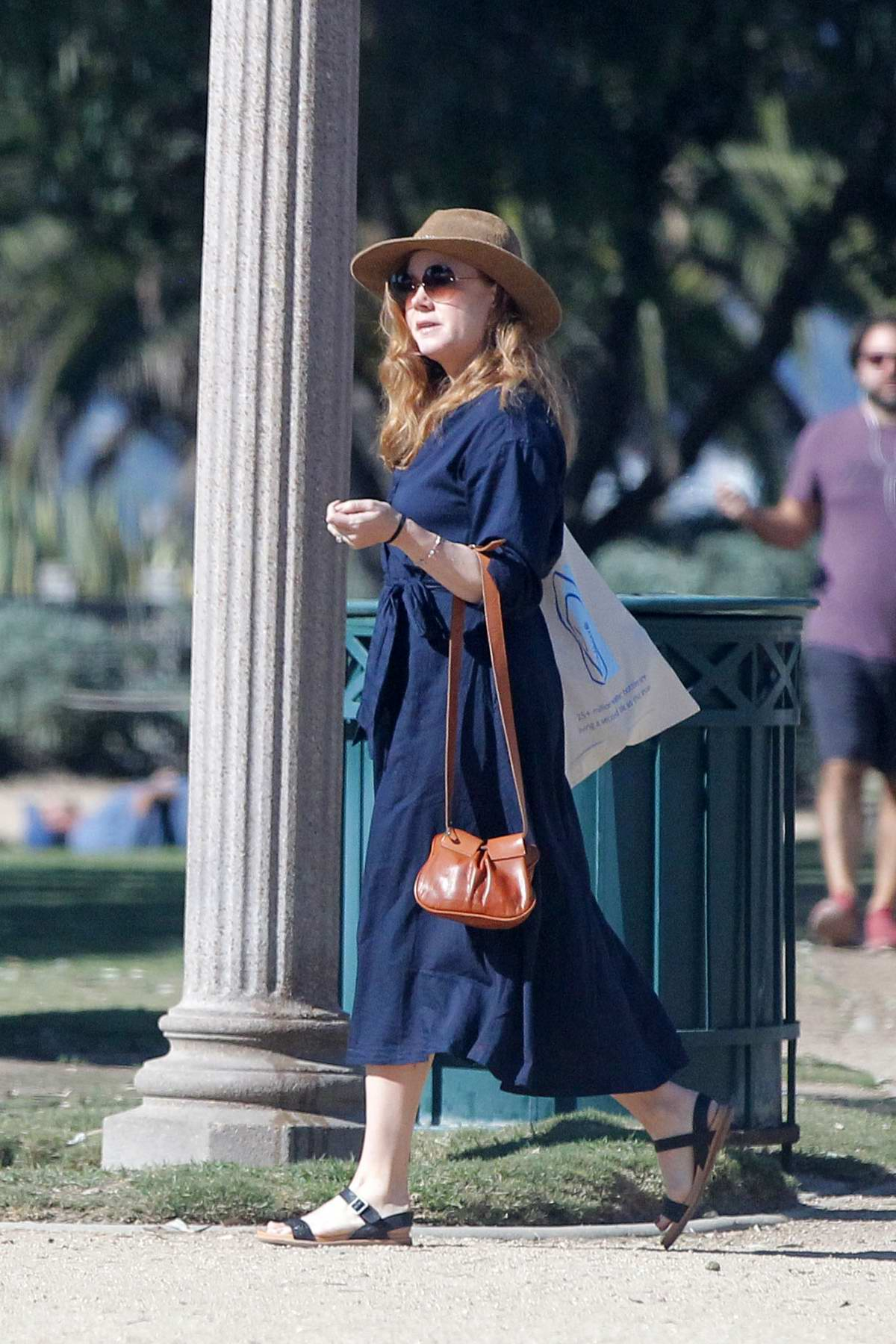 Amy Adams does some shopping after a brief stroll in Santa Monica, California