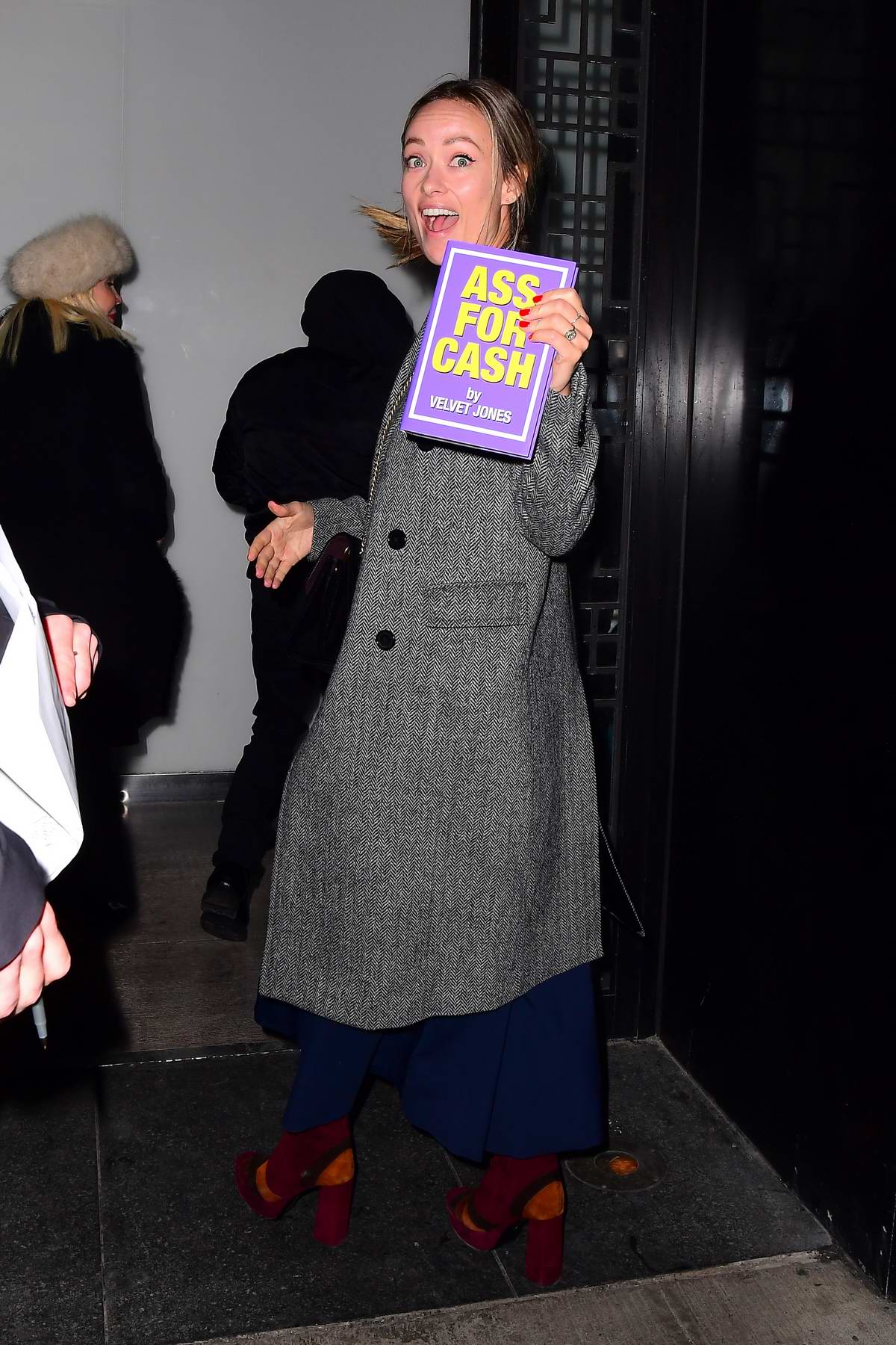 Olivia Wilde seen as she heads into the SNL after-party in Teaneck, New Jersey