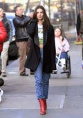 Emily Ratajkowski keeps it trendy as she steps out for lunch in New York City