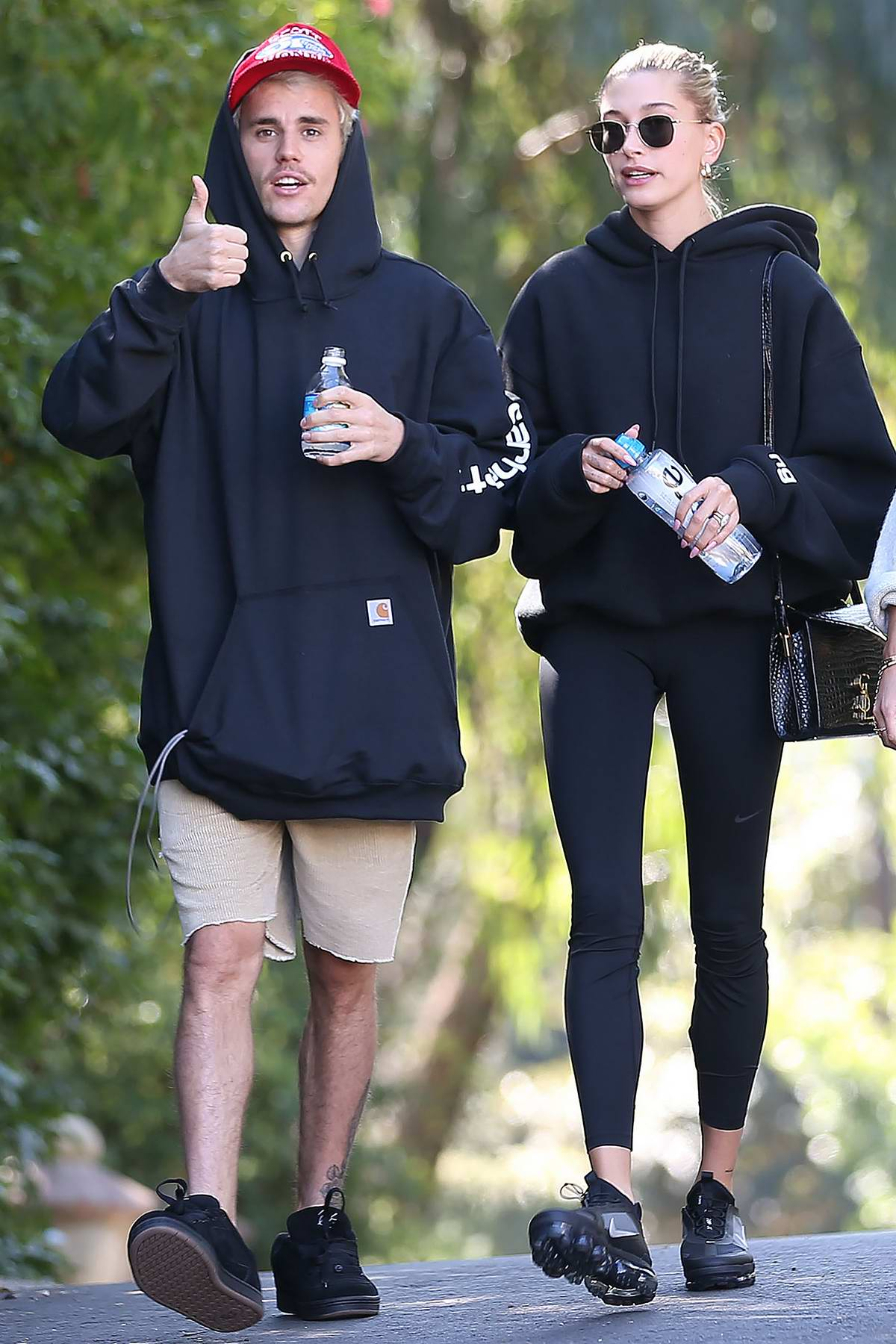 Hailey Bieber and Justin Bieber enjoy a hike with their friends in Los AngelesHailey Bieber and Justin Bieber enjoy a hike with their friends in Los Angeles