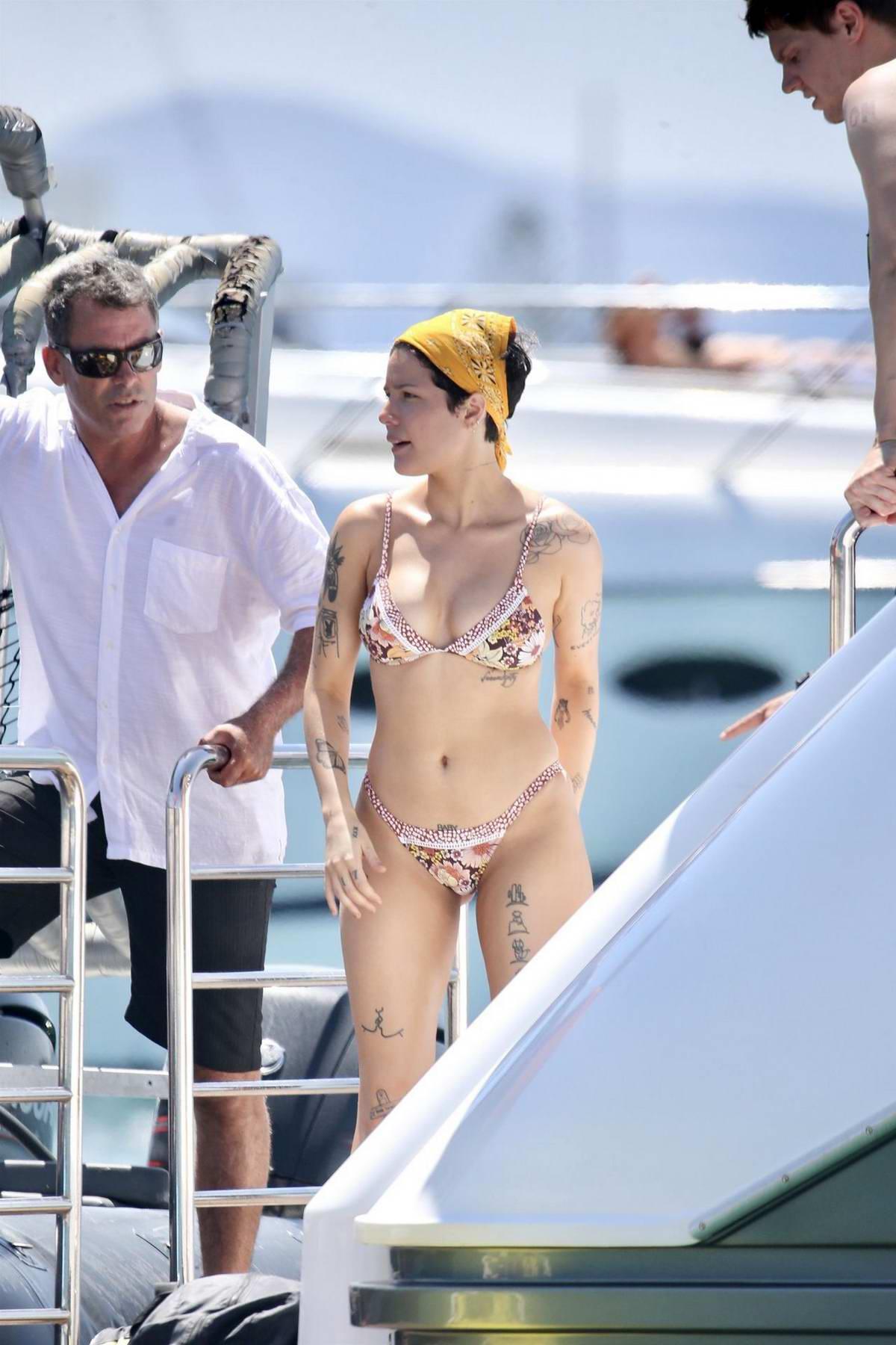Halsey wears a floral print bikini while enjoying the sunny Gold Coast on Jet ski in Australia
