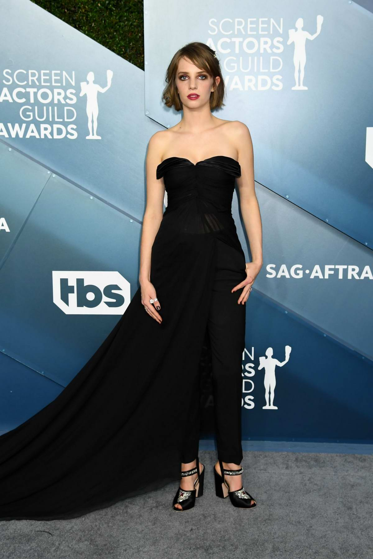 Maya Hawke attends the 26th Annual Screen Actors Guild Awards at the Shrine Auditorium in Los Angeles
