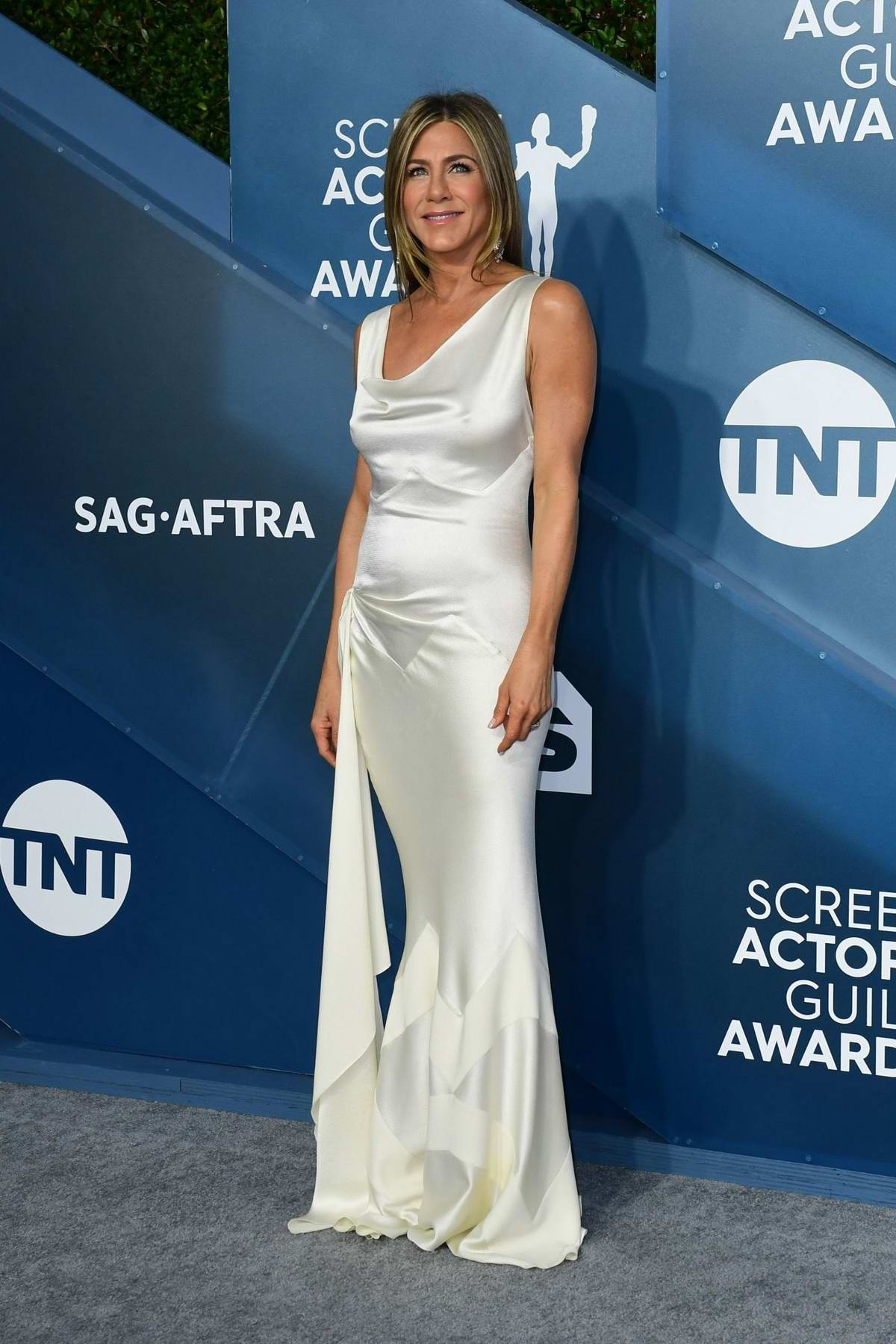 Jennifer Aniston attends the 26th Annual Screen Actors Guild Awards at the Shrine Auditorium in Los Angeles