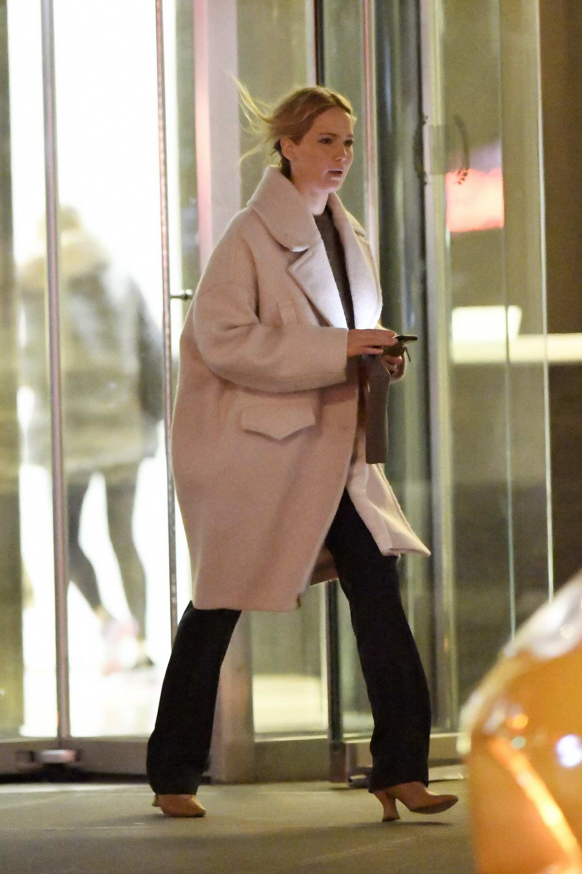 Jennifer Lawrence steps out for dinner at Milo's restaurant in New York City