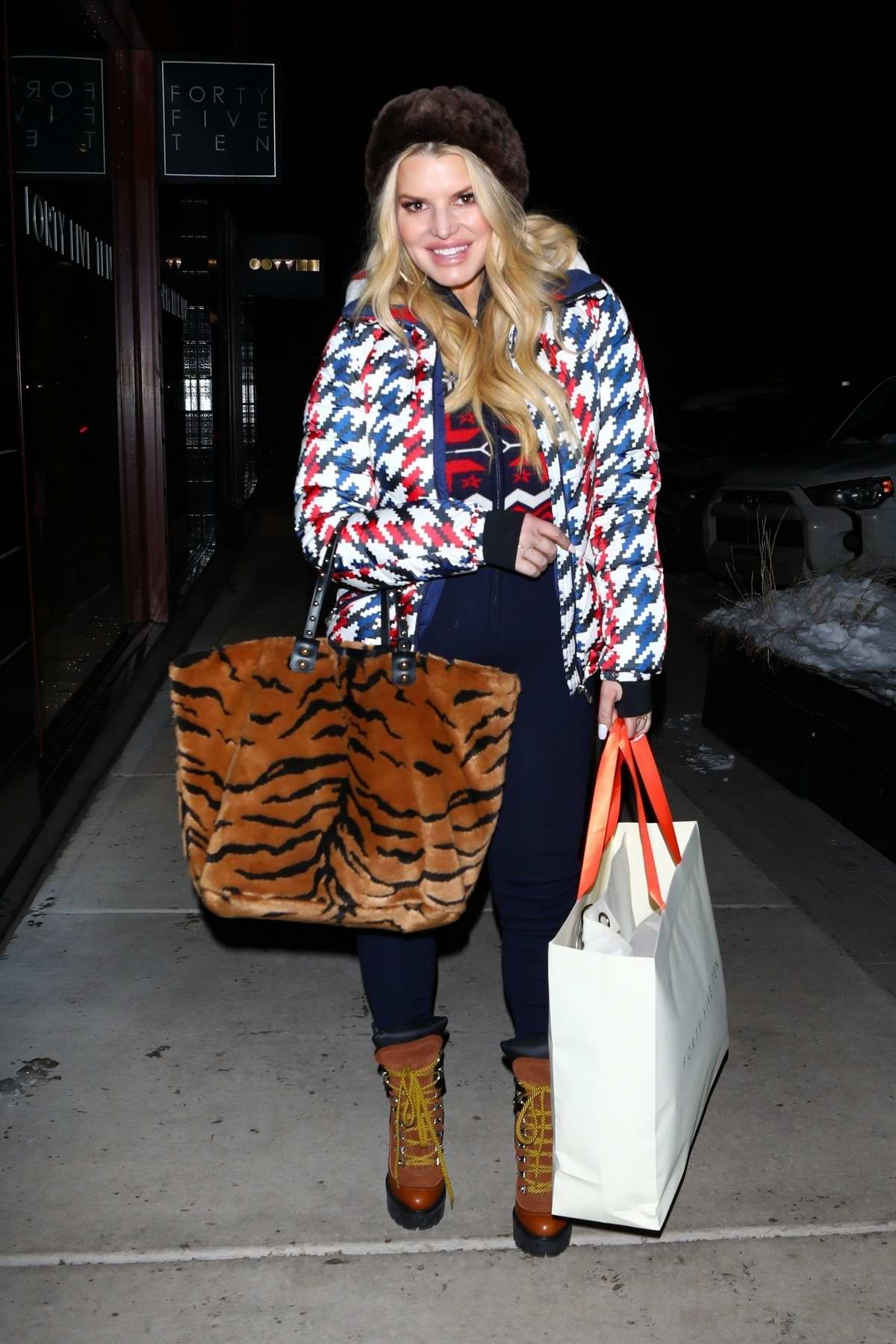 Jessica Simpson is all smiles as she enjoys some retail therapy in Aspen, Colorado