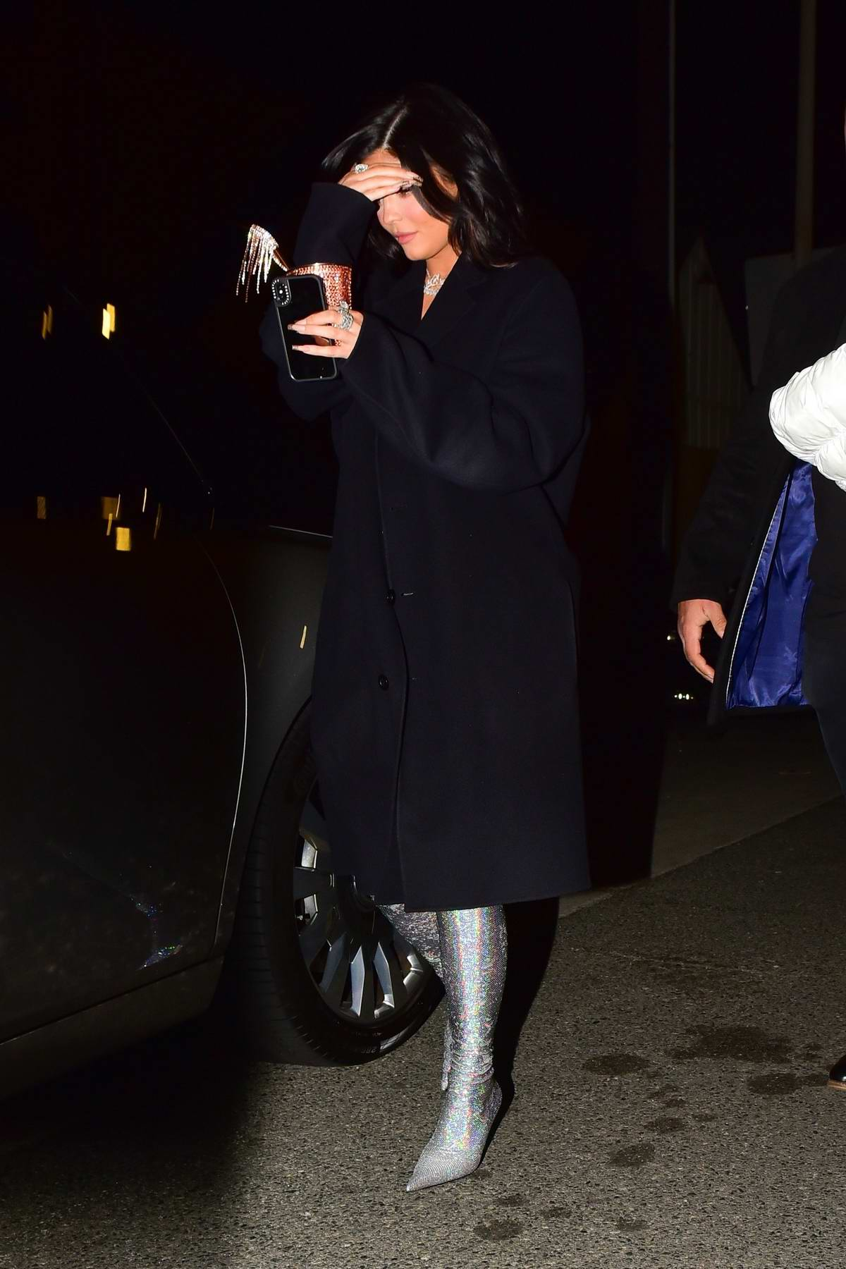 Kylie Jenner rings in the New Year alongside friends with dinner in Santa Monica, California