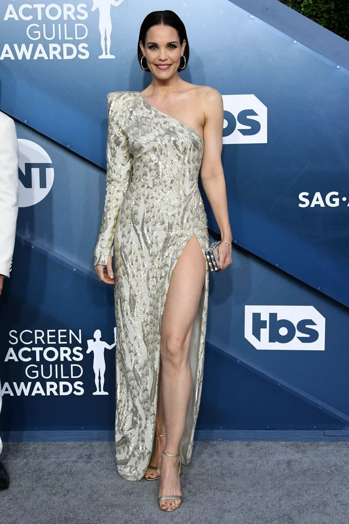 Leslie Bibb attends the 26th Annual Screen Actors Guild Awards at the Shrine Auditorium in Los Angeles
