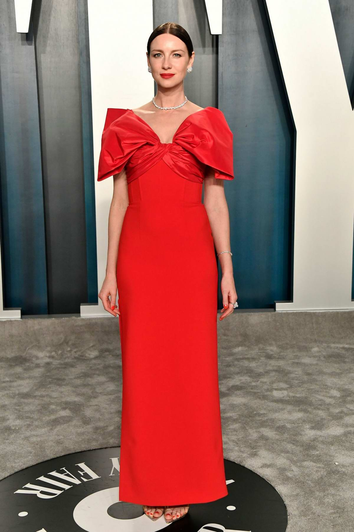 Caitriona Balfe attends the 2020 Vanity Fair Oscar Party at Wallis Annenberg Center for the Performing Arts in Los Angeles