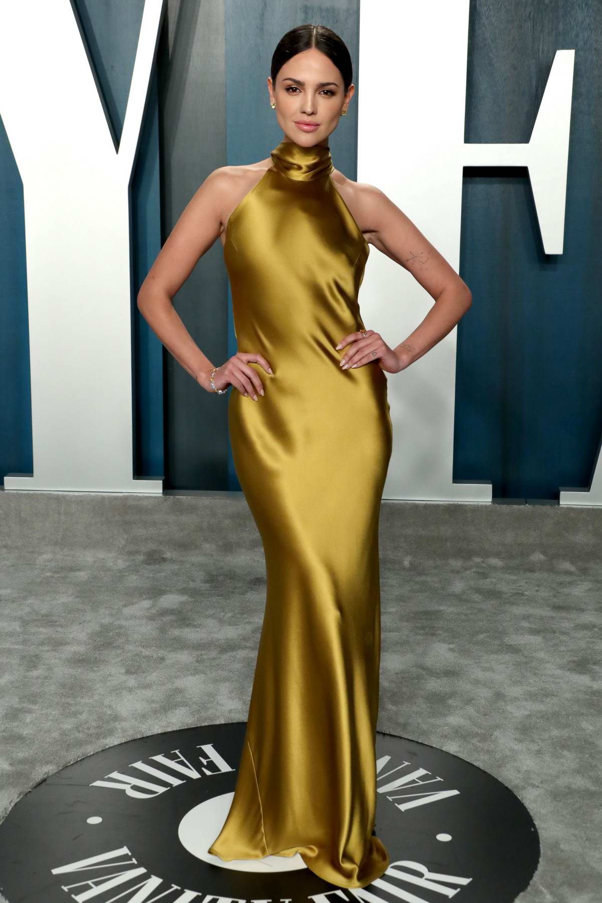 Eiza Gonzalez attends the 2020 Vanity Fair Oscar Party at Wallis Annenberg Center for the Performing Arts in Los Angeles